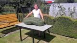 Gigantyczny ogórek mierzy 78 cm! Kabaczek waży 55 kg! Zobacz zdjęcia prawdziwych zielonych potworów!