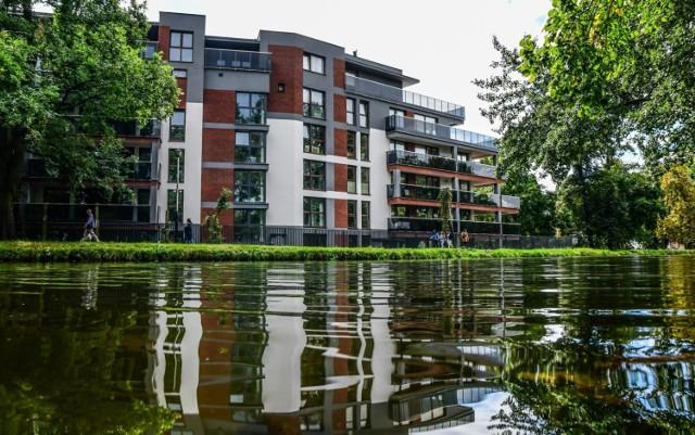 Rosnące ceny mieszkań nie powstrzymują kupujących, jednak sytuacja na rynku jest trudna.
