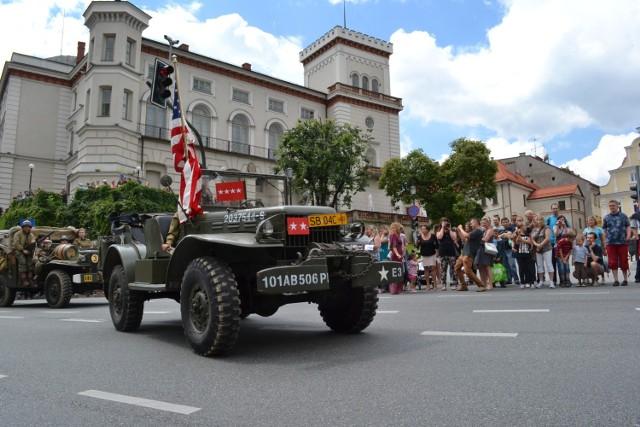 Pojazdy militarne pojawią się w centrum miasta w sobotę w samo południe.