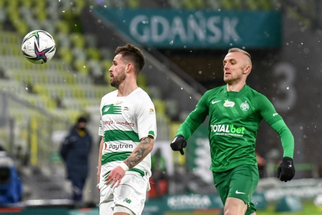 Dzięki umowie z miastem Gdańsk Lechia może rozgrywać ligowe mecze na stadionie w Letnicy