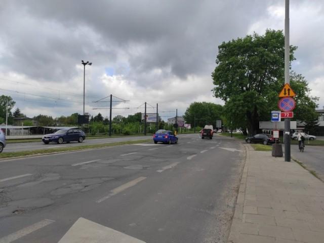 Fatalny stan nawierzchni ul. Aleksandrowskiej na wjeździe do miasta już od dawna daje się kierowcom we znaki.