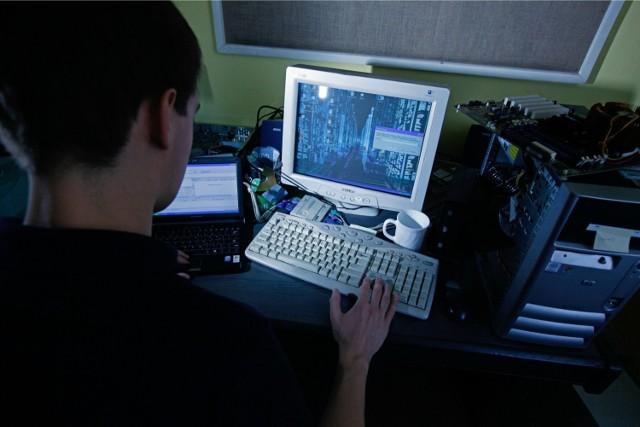 Za atakiem na ogólnopolski e-dziennik stoją nastolatkowie. Jednemu z hakerów postawiono zarzut, za który grozi do 8 lat więzienia