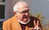 Prof. Simon leczy zakażonych koronawirusem. Dostał zakaz publicznych wypowiedzi