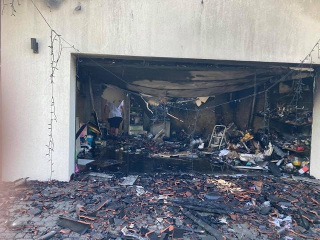 Skala zniszczeń po pożarze domu w Modrzewiu jest ogromna