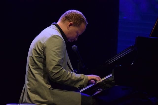 Craig Taborn wystąpił w 2018 r. na 45. Międzynarodowym Festiwalu Pianistów Jazzowych