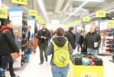 Sieci sklepów Auchan i Decathlon zachęcają do zakupów z drugiej ręki. Co oferują? Sprawdź