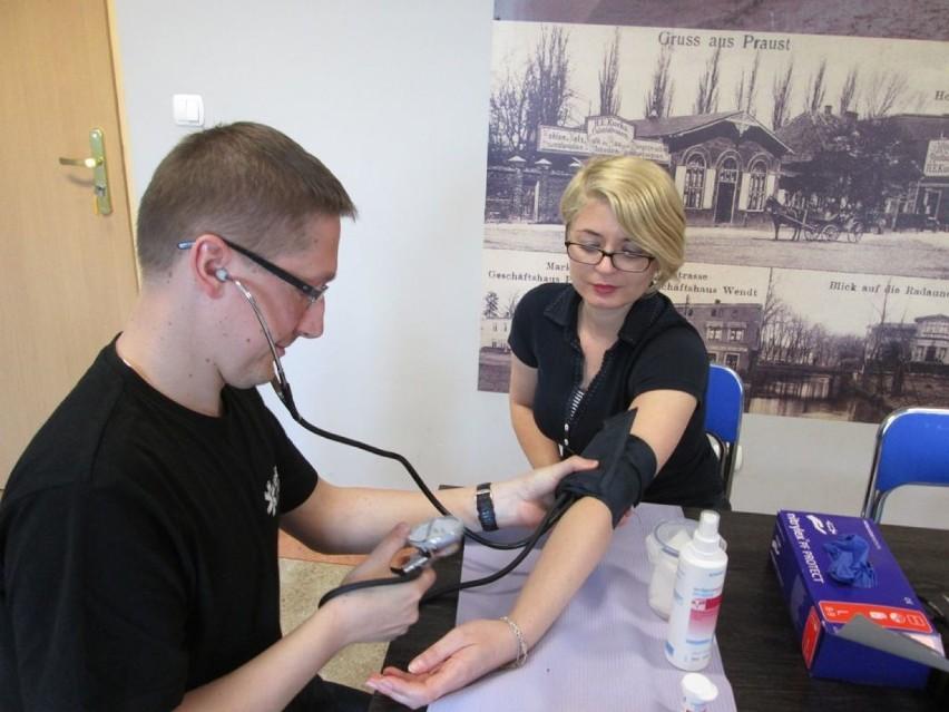Pruszcz Gdański: Zbiórka krwi i rejestracja dawców szpiku. Zebrano 12 litrów krwi [ZDJĘCIA]