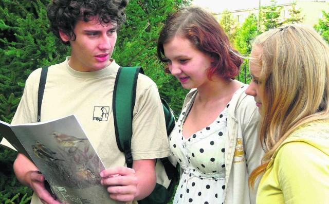 Kacper chętnie dzieli się zdobytą wiedzą z innymi