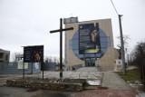 Awantura o papieża. Płachta z wizerunkiem Jana Pawła II to nielegalna reklama?