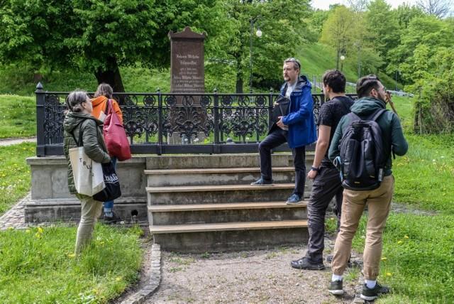 """Spacer """"Gdańsk wielu kultur i religii"""". Oprowadza dr Jan Daniluk z Hevelianum"""