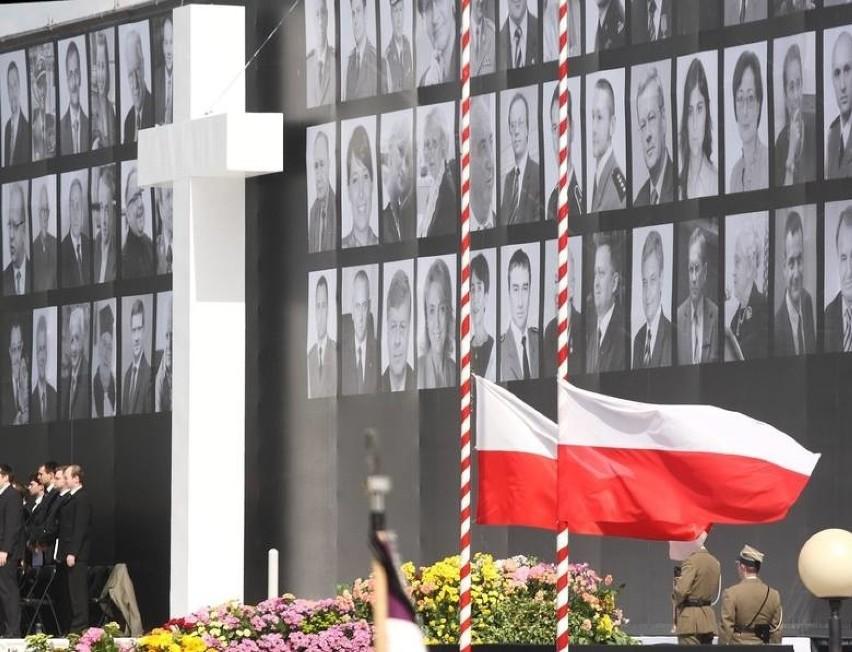 Katastrofa w Smoleńsku - kim były ofiary? Przeczytaj ich krótkie życiorysy