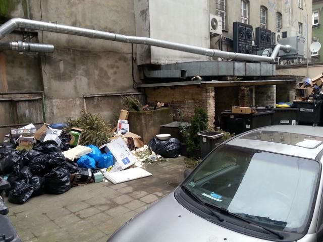 Śmieci w Poznaniu: Wywiozą śmieci wielkogabarytowe? Wspólnoty mówią: Będą problemy