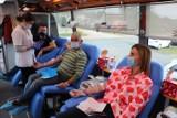 Oddawali krew w gminie Blizanów. Cennym lekiem podzieliło się 20 osób ZDJĘCIA