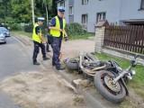 Poważny wypadek w Rybniku. Motocyklista uderzył w ogrodzenie. Nieprzytomny trafił o szpitala