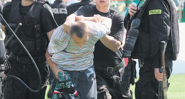 Czy stadionowa przemoc i wojny kiboli przeniosą się w okolice szkół?