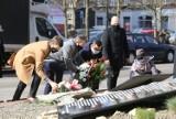 Odsłonięto tablice smoleńskie w Sosnowcu. Znajdziemy na nich nazwiska osób, które zginęły w tragicznej katastrofie lotniczej pod Smoleńskiem