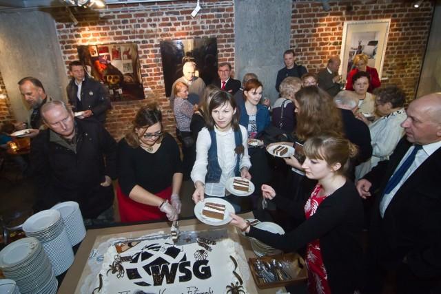Muzeum Fotografii przy WSG na swe 10. urodziny zaprosiło 28 listopada 2014 roku. Była jubileuszowa wystawa i oczywiście tort