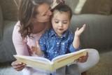 Książki dla dzieci idealne na prezent. Sprawdź, jaką książkę kupić z okazji Dnia Dziecka