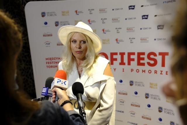 Zakończyła się 19. edycja MFF Tofifest w Toruniu. Na uroczystej gali laureaci odebrali nagrody i wyróżnienia. Oto zdjęcia z tego wydarzenia!  Czytaj dalej. Przesuwaj zdjęcia w prawo - naciśnij strzałkę lub przycisk NASTĘPNE