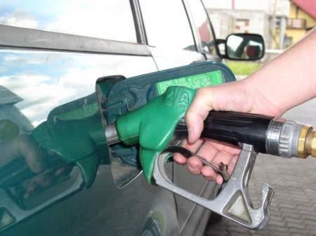 Kierowcy narzekają na to, że paliwa w Chojnicach są najdroższe w okolicy.