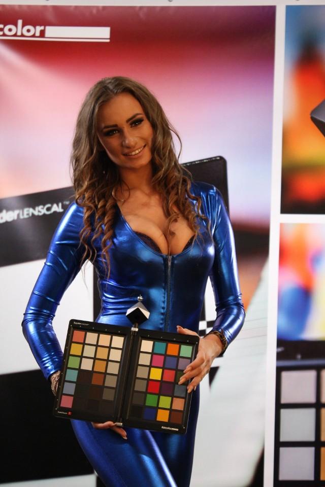 Piękne kobiety i nowoczesny sprzęt fotograficzny. Sprawdźcie, co działo się w hali Expo [ZDJĘCIA]