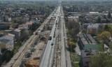 Chełm. Na ulicy Rejowieckiej wyłączone dwa pasy ruchu. Część  remontowanej ulicy Kolejowej nieprzejezdna