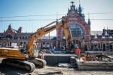 Remont stacji Gdańsk Główny - prace na peronie nr 2 ukończone już w 80 proc.