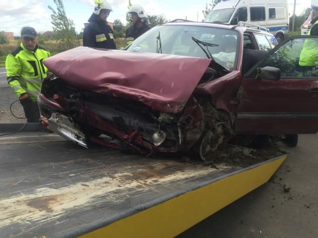 Wypadek w Beznatce pod Kaliszem. Ukraińcy wjechali do rowu