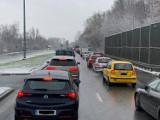 Kraków. Kierowcy psioczą na nowe rondo na Jasnogórskiej. Jest bezpieczniej, ale są i spore korki