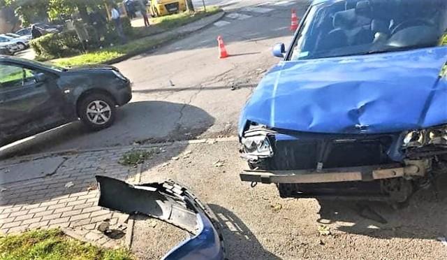 W Olkuszu, na osiedlu Pakuska, doszło do wypadku z udziałem dwóch samochodów