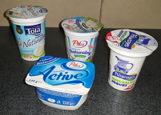 Doskonałe na upał są zsiadłe mleko, kefir, maślanka – najlepiej w wersji podstawowej, bez dodatków smakowych. Fermentowane produkty mleczne wychładzają organizm przez co łatwiej nam znieść wysoką temperaturę.
