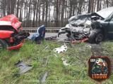 Czołowe zderzenie na DK46 między Lisowem a Herbami. Dziecko jechało w jednym z pojazdów
