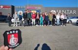 Młodzież z OSP w Tuchomiu dostała nietypową nagrodę. Pojechali na wycieczkę za wywalczone pieniądze