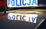 Groźne zderzenie w Ostrowcu. Kierowca z promilami uderzył w sygnalizator