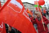 Pochód pierwszomajowy w Warszawie. Ugrupowania i związkowcy przeszli ulicami stolicy [GALERIA]
