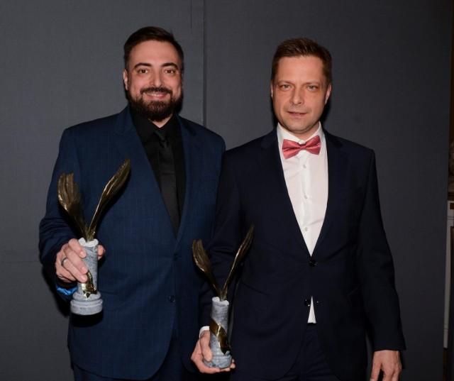 """Marek Sekielski (z prawej), współautor książki """"Ogarnij się, czyli jak wychodziliśmy z szamba""""."""