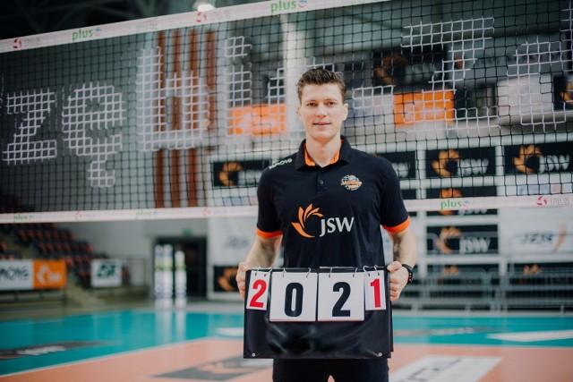 W lutym obecnego roku, Lukas Kampa o 12 miesięcy przedłużył umowę z Pomarańczowymi.