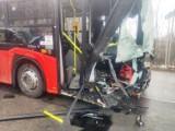 Wypadek autobusu w Żywcu - Oczkowie. Zderzył się z busem. Są ranni