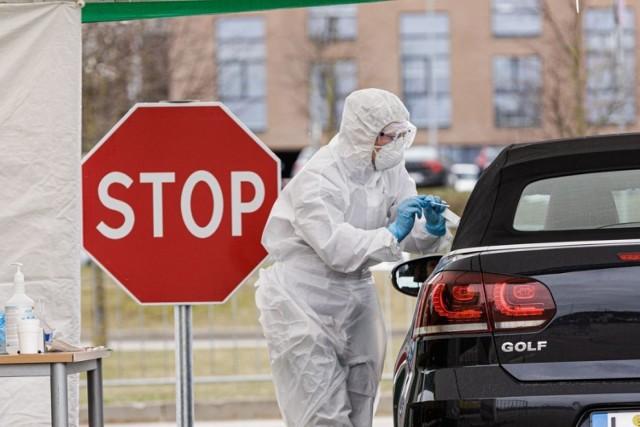 Tak z samochodu ma odbywać się pobieranie próbek w Kętach. Zdjęcie ilustracyjne