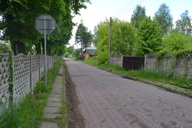 Tak obecnie wygląda ulica Fredry w Sosnowcu.   Zobacz kolejne zdjęcia. Przesuń zdjęcia w prawo - wciśnij strzałkę lub przycisk NASTĘPNE