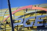 Gdański stadion demontuje logo PGE [ZDJĘCIA, WIDEO]