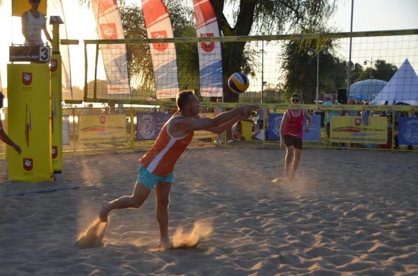 Nocny turniej siatkówki plażowej. Grand Prix Zbąszynia w Siatkówce Plażowej 2018