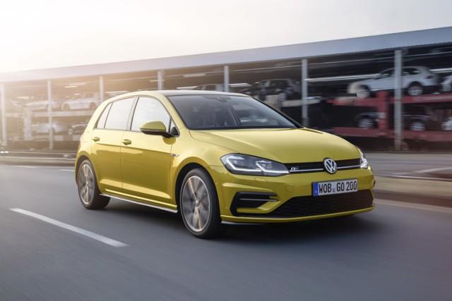 Volkswagen Golf  Sprzedaż w lutym 2017 roku; 285  Udział w rynku: 2,0%  Rejestracje nowych samochodów osobowych przez klientów indywidualnych w lutym 2017 roku. Źródło: Polski Związek Przemysłu Motoryzacyjnego