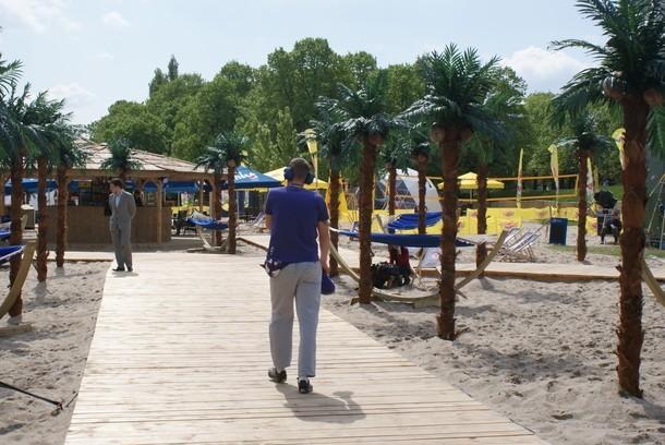 W Porcie Wisła czekają na nas hamaki i palmy, a także boiska, ścianka wspinaczkowa, basen oraz fitness club