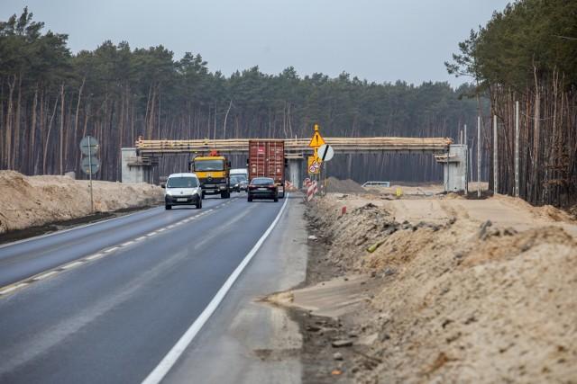 Bydgosko-toruński odcinek trasy expresowej S10 nie będzie jednak budowany w partnerstwie prywatno państwowym, ale za unijne pieniądze.