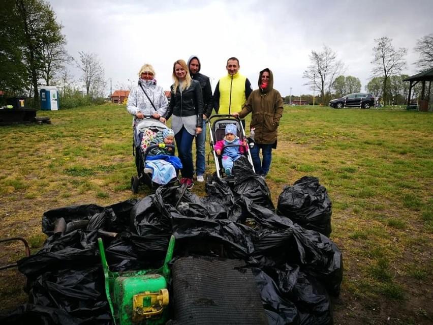 Posprzątali świnoujski park w ramach urodzinowego prezentu [ZDJĘCIA]