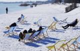 Śnieg, słońce i leżaki. Biała plaża nad Jeziorem Tarnobrzeskim! [ZDJĘCIA]
