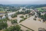 """Powódź błyskawiczna w gminie Myślenice. Głogoczów i Krzyszkowice zalane, ogromne straty. """"Takiej wody nie było tu nigdy"""" [ZDJĘCIA]"""