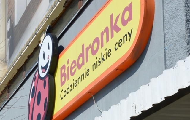 Czytelnik ze Szprotawy podkreśla, że nie powinno dojść do zamknięcia sklepu przed młodym mężczyzną z Ukrainy.