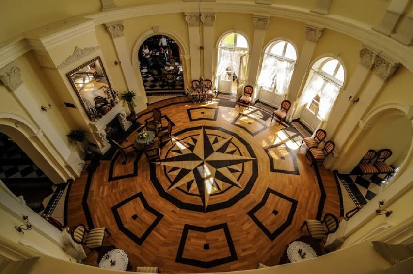 Pałac w Bugaju wystawiony na sprzedaż